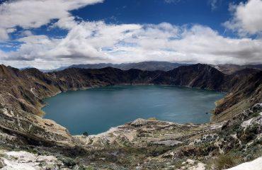 quilotoa_crater_lake_ecuador